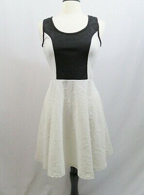 Persaya White and Black Sleeveless Dress Lace Cut Out Raised Floral Design Sz XL