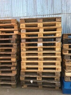 Euro pallets and British standard size pallets