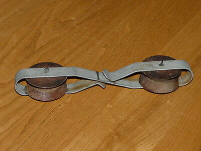 Vintage Wood - Metal Clothesline Spacer - Spacer with wooden wheels