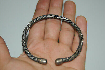 AMAZING ancient Norse Viking silver bracelet, with beautiful carved decoration