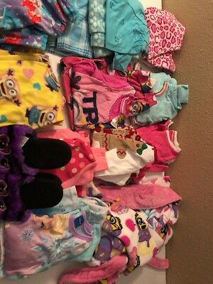Toddler Girls PJ's 6-6x With House Coat And Slippers 10 Pairs Of Pj's Stock#001
