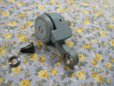 VINTAGE SINGER 285K Aqua SEWING MACHINE BOBBIN WINDER