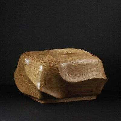 Oak cremation urn for ashes - hand-crafted - Everlasting Tree - USA