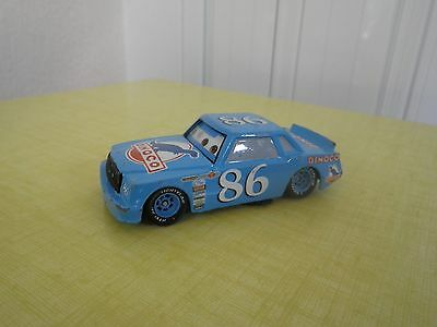 DISNEY PIXAR CARS VOITURE DINOCO CHICK HICK FLASH McQUEEN METAL 1/55 BON ETAT !!
