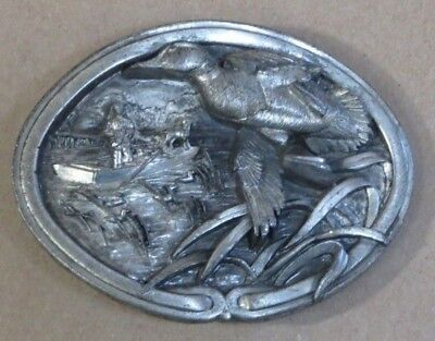 1986 BERGAMOT BRASS WORKS Mallard Duck BELT BUCKLE Duck Blind, Hunting Dog, W-45
