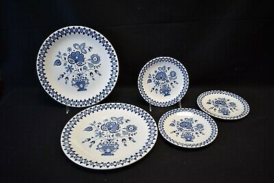 Johnson Brothers England Jamestown Set of 2 Dinner and 3 Bread & Butter Plates