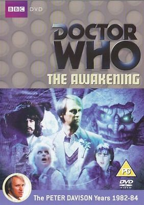 Doctor Who - The Awakening - Nuevo y sin Sellar Dr Played By Peter Davison Bbc