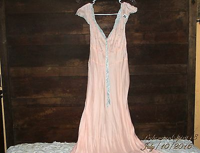 ANTIQUE RARE VINTAGE 1940's PEACH NIGHTGOWN VERY LONG RAYON SZ SMALL LINGERIE