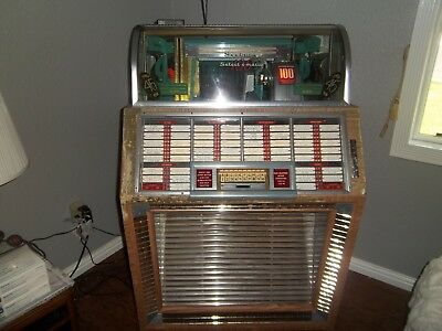 Seeburg Jukebox 1951 100 B