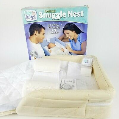 Baby Delight Deluxe Snuggle Nest Night Light Breathable Mesh Fabric Portable