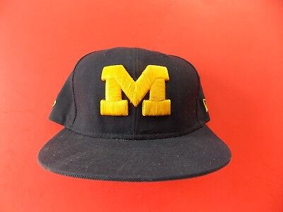 san francisco ef44c 16818 Michigan Wolverines Thick M-New Era 59FIFTY Fitted Wool Cap-7 3 8