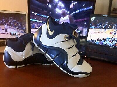 finest selection 971bf 77448 Nike Zoom LeBron IV (4) White Blue Gold
