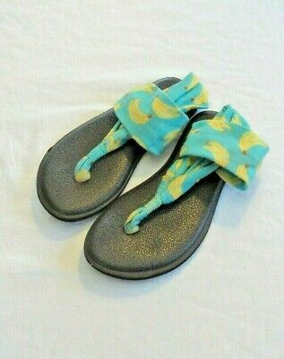 d6e1111fcfa0 Girls SANUK Yoga Sling Flip Flops Sandals ~ Size Y13-1 Green Yellow Shoes  Summer