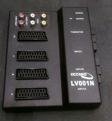 SWITCH CON SELETTORE COMMUTATORE AUDIO/VIDEO: 3 scart IN,1 scart out,2 RCA out