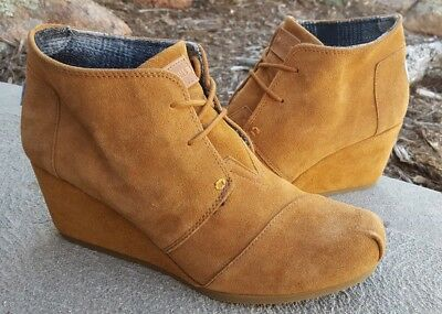 5ff7d598e65af TOMS DESERT WEDGE Women's 11 Chestnut Suede Ankle Boots Booties ...