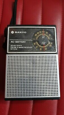 Vintage Sanyo Solid State AM-FM Model RP-5115 AC-DC Transistor Radio