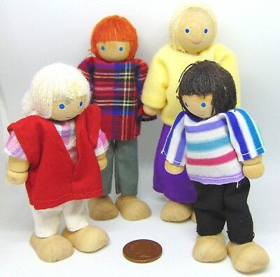 1:12th Scale Set of 4 Wooden Poseable Dolls Doll House Miniature Accessory S2