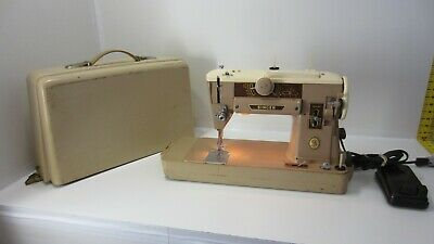 Vintage Heavy Duty Singer Sewing Machine 401A