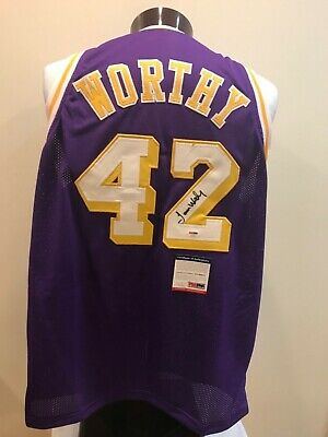05401672079 LAKERS JAMES WORTHY Authentic Signed Yellow Jersey Autographed BAS ...