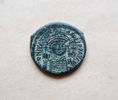 Bronze half follis of emperor Justinian I (527-565),dated AD 543. Excellent coin