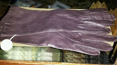 Woman's Lord & Taylor  genuine leather gloves sz7. Silk* lining Baby soft Brown