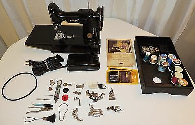 Singer Featherweight Sewing Machine With Pedal, Case & Attachments Black Beauty!
