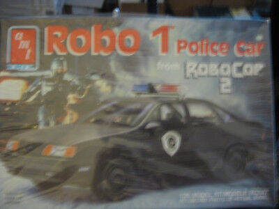AMT Robo1 police car from Robo Cop 2 skill level 2 factory sealed 1/25 scale
