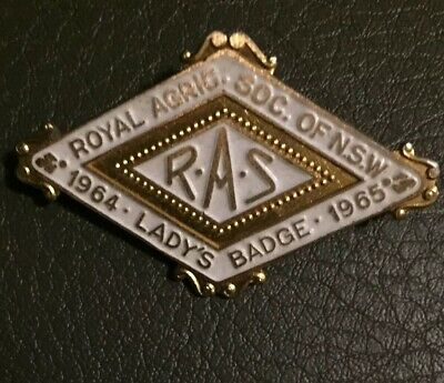 1965 White Royal Agricultural Society Lady's Member Ras  Badge