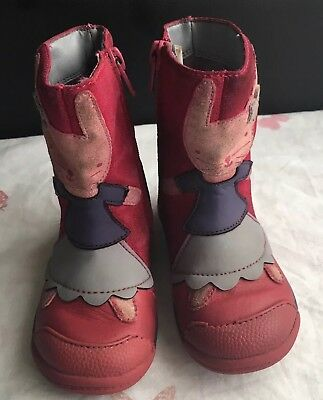 Girls Clarks Leather Boots Infants Size UK 61/2F,in dark pink VGC