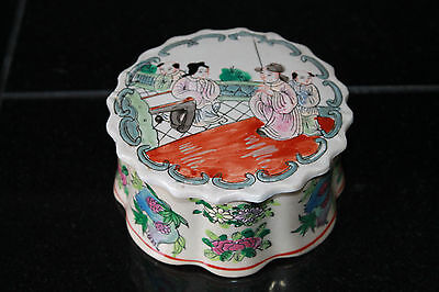 Chinese Porcelain Famille Rose Figural Ink Paste Box