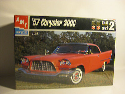 AMT 1957 Chrysler 300C factory sealed 2 in1 kit 1/25 scale skill Level 2
