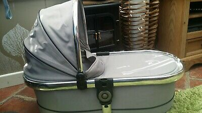iCandy Peach  2 3 silvermint carrycot