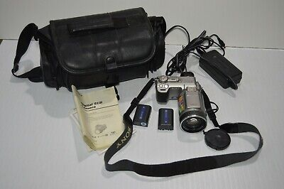 Genuine Original Sony Cyber-Shot DSC-F707 5.0MP 10X Digital Camera w/bag manual