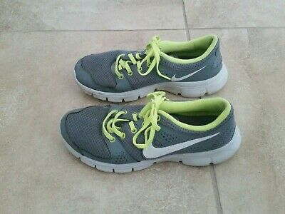 04e9e68f3775 NIKE Womens Sneakers Shoes FLEX EXPERIENCE RN Size 8 Training Running Gray  Green