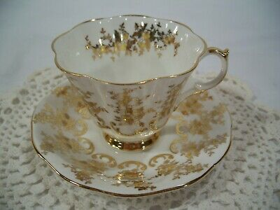 Vtg Queen Anne made in England Tea Cup and Saucer