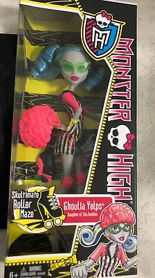 Monster High Ghoulia Yelps Roller Maze
