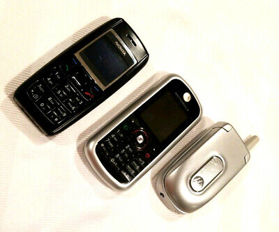 Lot Of 3 Old Cellphones for Parts