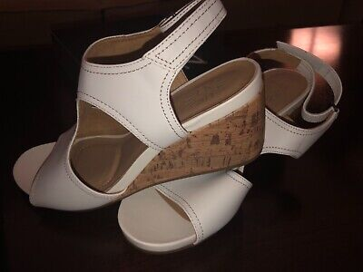 08cd0d4e0e1c NATURALIZER CINDA WEDGE Sandals 390