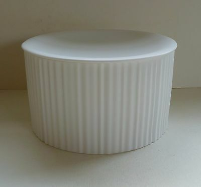 WEDGWOOD Lidded Pleat Cylinder 16 Kelly Hoppen Collection