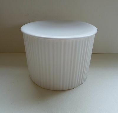 WEDGWOOD Lidded Pleat Cylinder 12 Kelly Hoppen Collection
