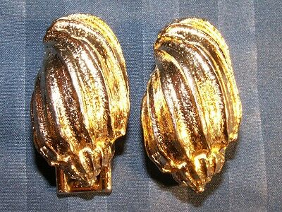 Rare Vintage Mimi di N Signed Metal Belt Buckles Gold Tone Conch Shells Set