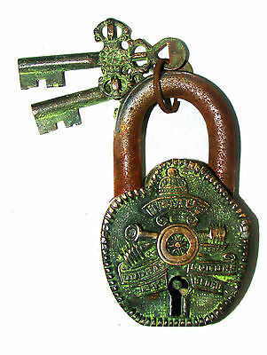 An Unusual CHARISMATIC Brass ENGLISH CANNON FIGURE PADLOCK with 2 keys India