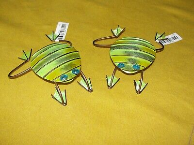 """Metal Side Hanging """"Frogs"""" Set Of 2 (Hang Them On Anything)"""