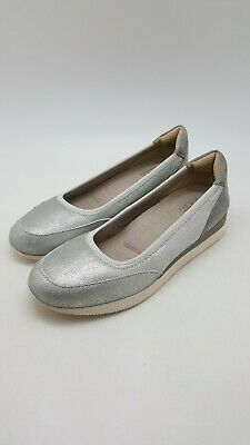 76cd02a9a45 Naturalizer Women s Junction Fashion Slip On Casual Silver Sparkle Shoe Size  8