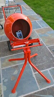 134L electric cement / concrete mixer - ONLY USED ONCE.