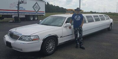 2003 Lincoln Town Car Exectutive Model The 33ft Super Stretch Limousine