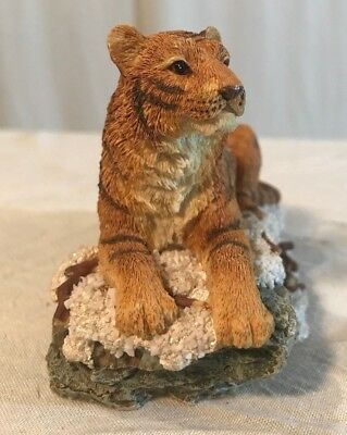 Nature Faux Wood Wildlife Bengal Tiger Family Roaming The Hills Decor Statue