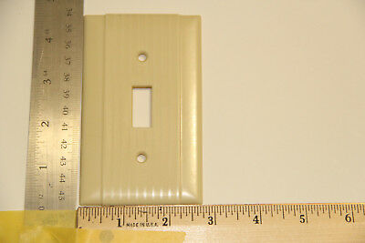 Vintage Ivory Bakelite Electrical Switch Plate / Cover Art Deco Ribbed