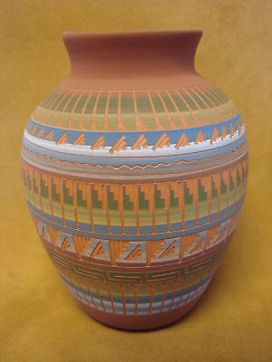 Native American Indian Hand Etched Pot by Mirelle Gilmore! Pottery Vase PT0022