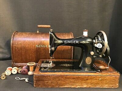 Antique 1914 99K Hand Crank Singer Sewing Machine With Case, Key & Cotton Reels